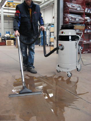 Industrial canister vacuum cleaner 501 WD | Delfin